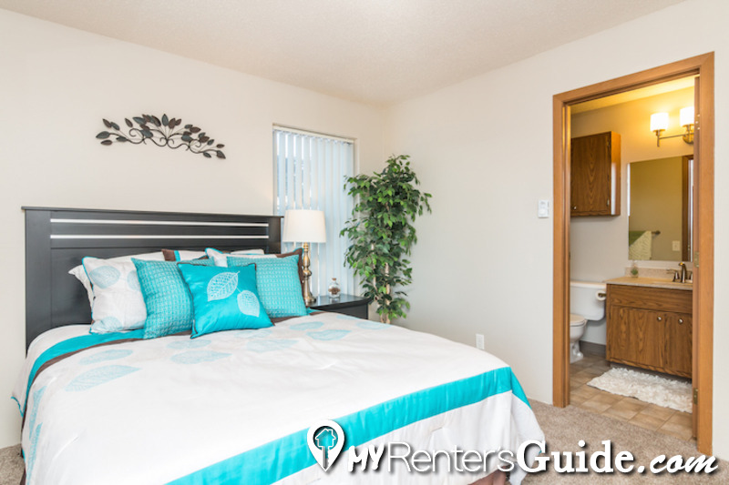 Pointe West Apartments Photo #1