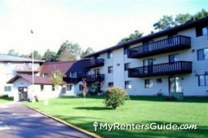 Pequot Pines & Estates Apartments Photo #0