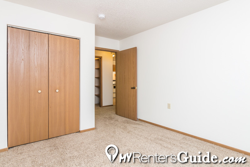 Hillview Apartments & Townhomes Photo #1